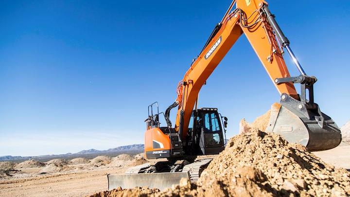 Content Dam Up En Articles 2015 09 Construction Equipment Crawler Excavators Offer Increased Performance Leftcolumn Article Thumbnailimage File