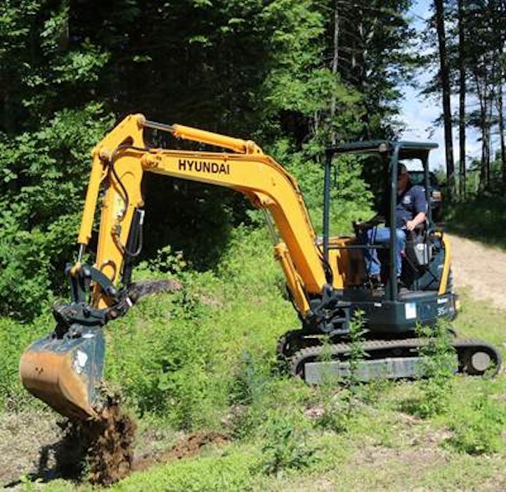 Content Dam Up En Articles 2015 09 Construction Equipment Tier 4 Final 9a Series Compact Excavators Leftcolumn Article Thumbnailimage File