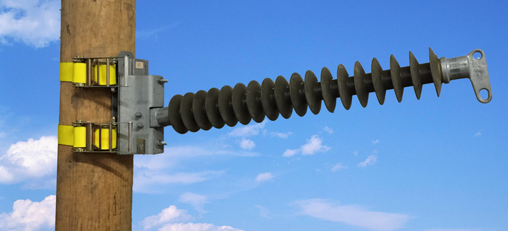 Content Dam Up En Articles 2015 09 Safety Equipment Hot Line Base Plate Eliminates Downtime During High Voltage Transmission Repair Leftcolumn Article Thumbnailimage File