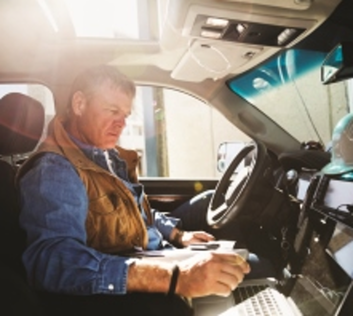 Content Dam Up En Articles 2015 10 Fleet Management How To Select A Gps Fleet Management System For Your Business0 Leftcolumn Article Thumbnailimage File