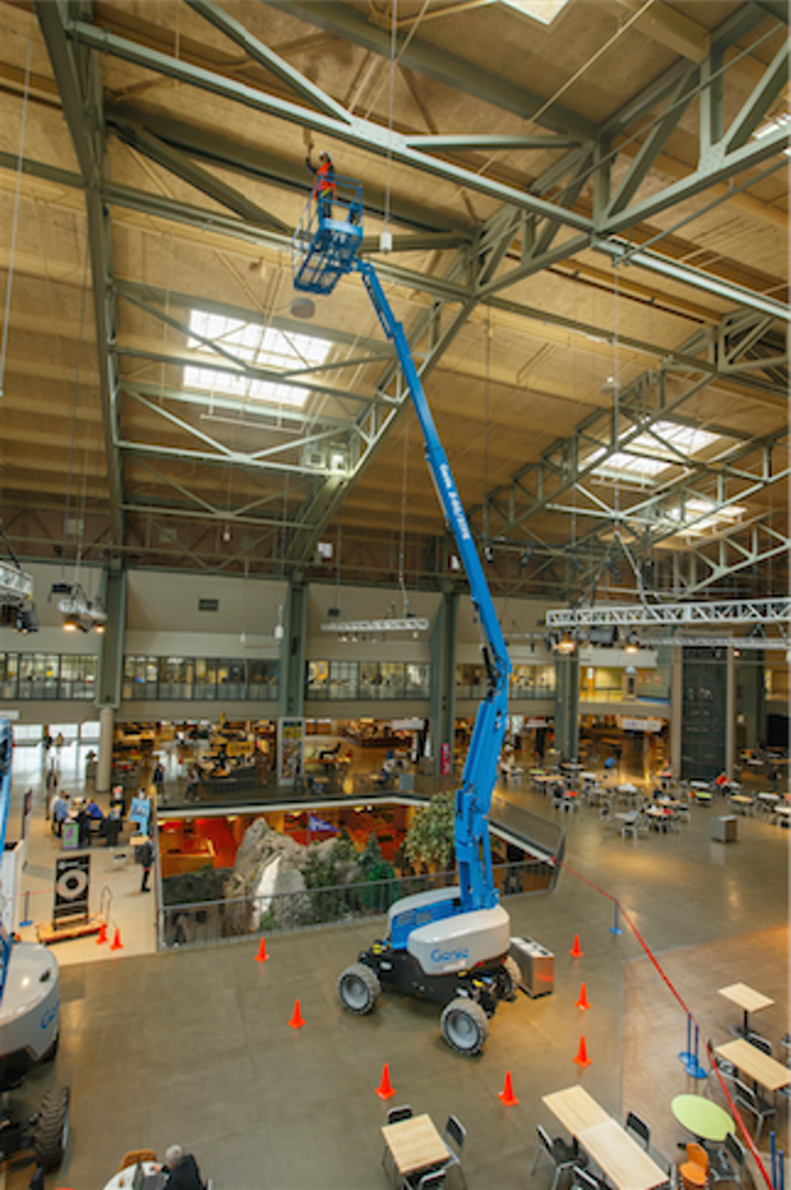Content Dam Up En Articles 2016 03 Boom Lift Offers Quiet Operation Powerful Performance Leftcolumn Article Thumbnailimage File