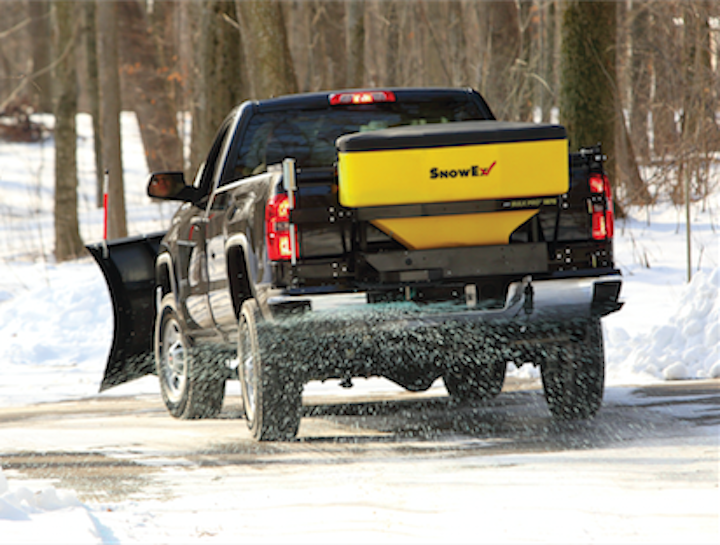 Content Dam Up En Articles 2016 03 Truck Accessory Tailgate Spreaders For Ice Control On Roads Parking Lots Leftcolumn Article Thumbnailimage File