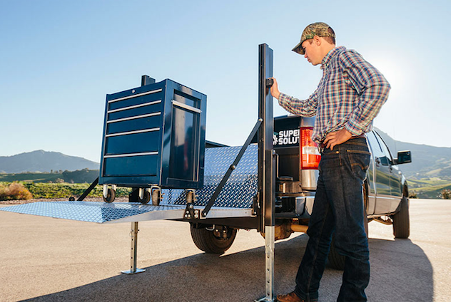 Content Dam Up En Articles 2017 03 Truck Accessory Removable Liftgate Wins The Work Truck Show 2017 Innovation Award Leftcolumn Article Thumbnailimage File