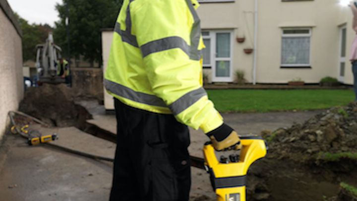 Content Dam Up En Articles 2017 05 Safety Equipment Utility Locator Simplifies Buried Utility Detection Leftcolumn Article Thumbnailimage File