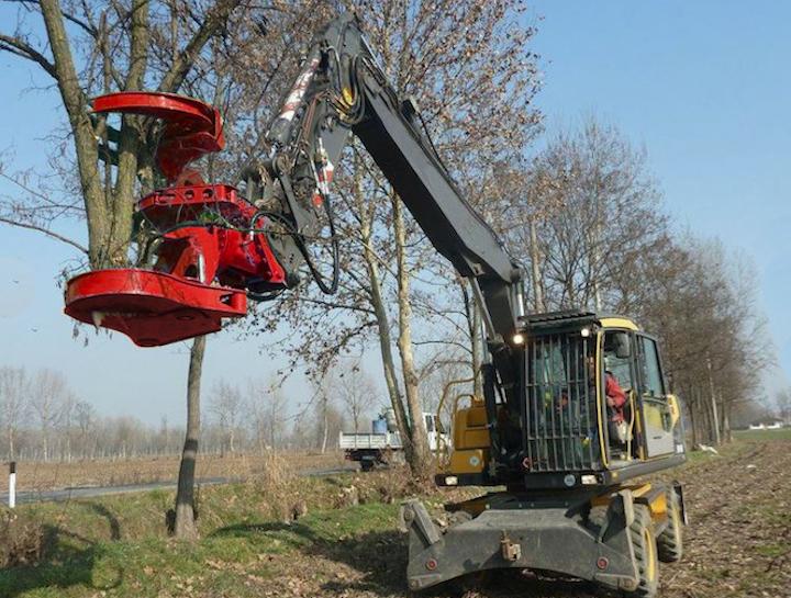 Content Dam Up En Articles 2017 06 Utility Vehicles Excavator Rotating Tree Shear Leftcolumn Article Thumbnailimage File
