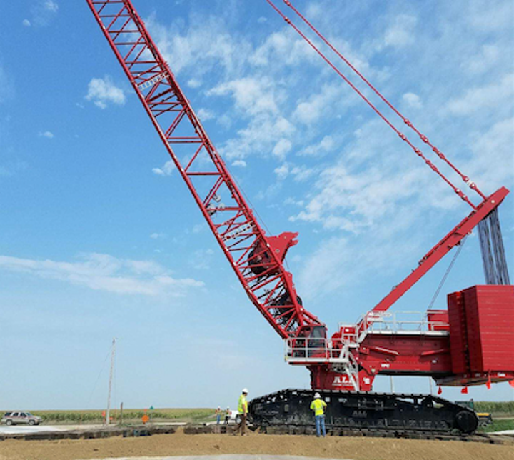 Content Dam Up En Articles 2017 09 Construction Equipment Crawler Cranes Rough Terrain Cranes Are Versatile Leftcolumn Article Thumbnailimage File