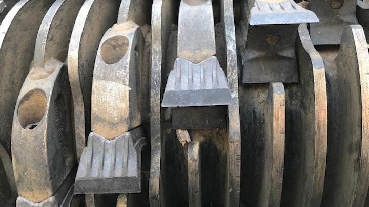 Content Dam Up En Articles 2017 10 Line Maintenance Mulching Knife Ensures Proper Cutting Angles Leftcolumn Article Thumbnailimage File