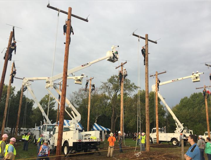 Content Dam Up En Articles 2017 11 Utility Poles Terex And Utility One Source Sponsor Apprentice Hurtman Rescue Competition Leftcolumn Article Thumbnailimage File